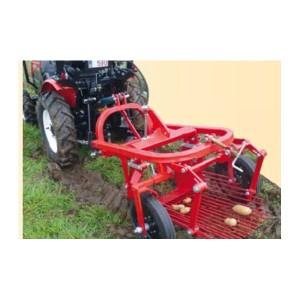 Arracheuse de pommes de terre avec éjection laérale pour micro tracteur